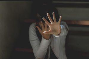 الاغتصاب في باكستان تعددت اشكاله .. ظابط الشرطة يغتصب الضحية ويهدد بالتصوير