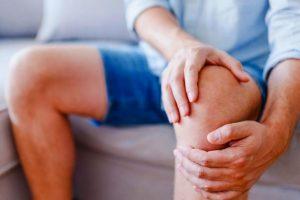 التهاب المفاصل أنواعه وعلاجه والأطعمة التي يجب تجنبها إذا كنت مصابًا بالتهاب المفاصل