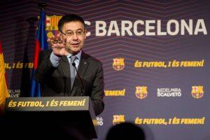 إدارة برشلونة تشوه سمعة أساطير النادي