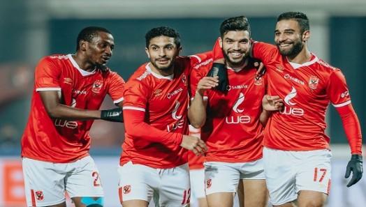 الأهلي المصري يحرز نجاحا كبيرا بعد اللحاق بالزمالك بهدف تعادل