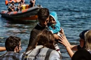 آلاف المهاجرين من تركيا يشدون الرحال إلى أوروبا