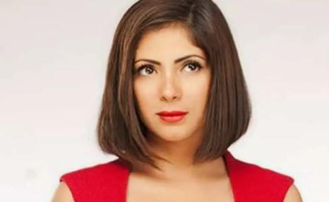 الممثلة المصرية منى زكي تتحدث عن معاناتها ومعاناة كل أم من أولادها في ظل الحجر المنزلي