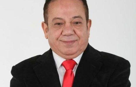 الممثل والمخرج المصري محمد محمود ينجو بأعجوبة من حادث سير مميت بسيارته ، وزوجته توضح أن وضعه الصحي أصبح أفضل لكن سيارته تعرضت لأضرار جسيمة